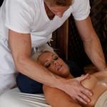 _scarlet-red-tricky-massage-06
